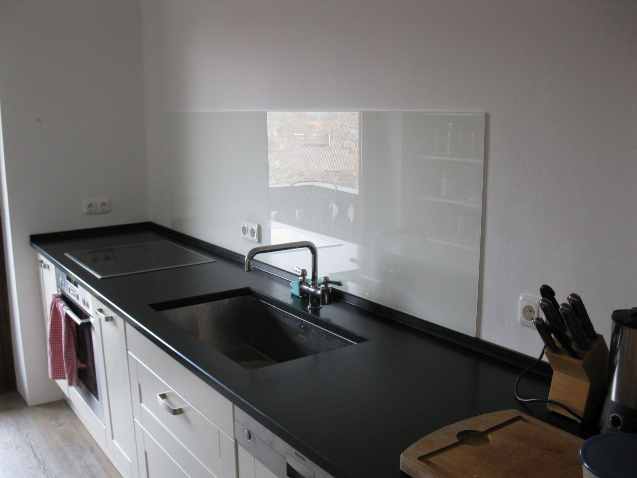 kueche glaswaende 016 glasteam gmbh. Black Bedroom Furniture Sets. Home Design Ideas