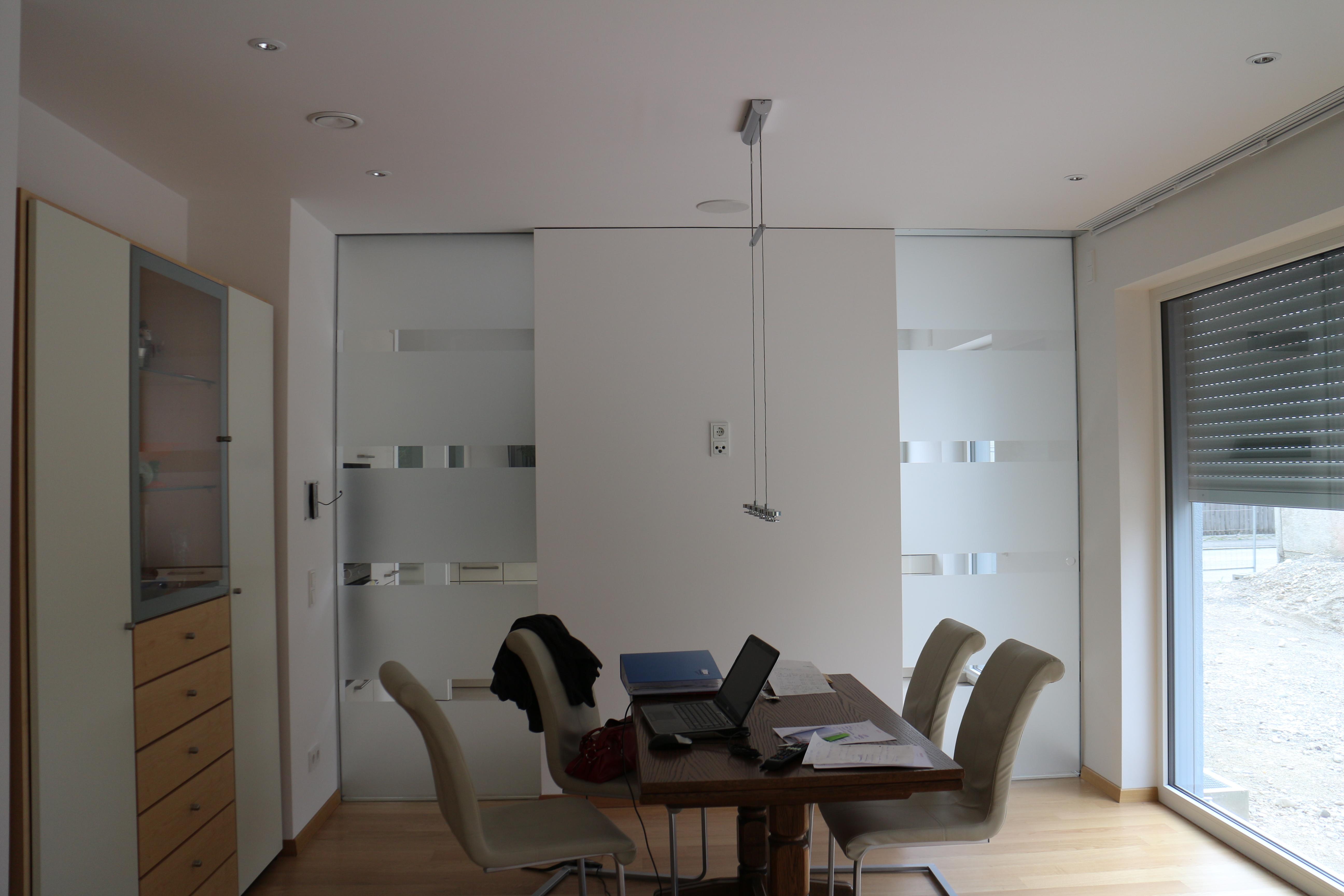 schiebet ren in der wand laufend mit siebdruck glasteam gmbh. Black Bedroom Furniture Sets. Home Design Ideas